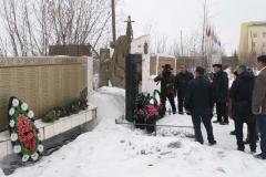 Мемориал Славы с именами ветеранов войны. п. Хандыга 2 апреля 2018 г.